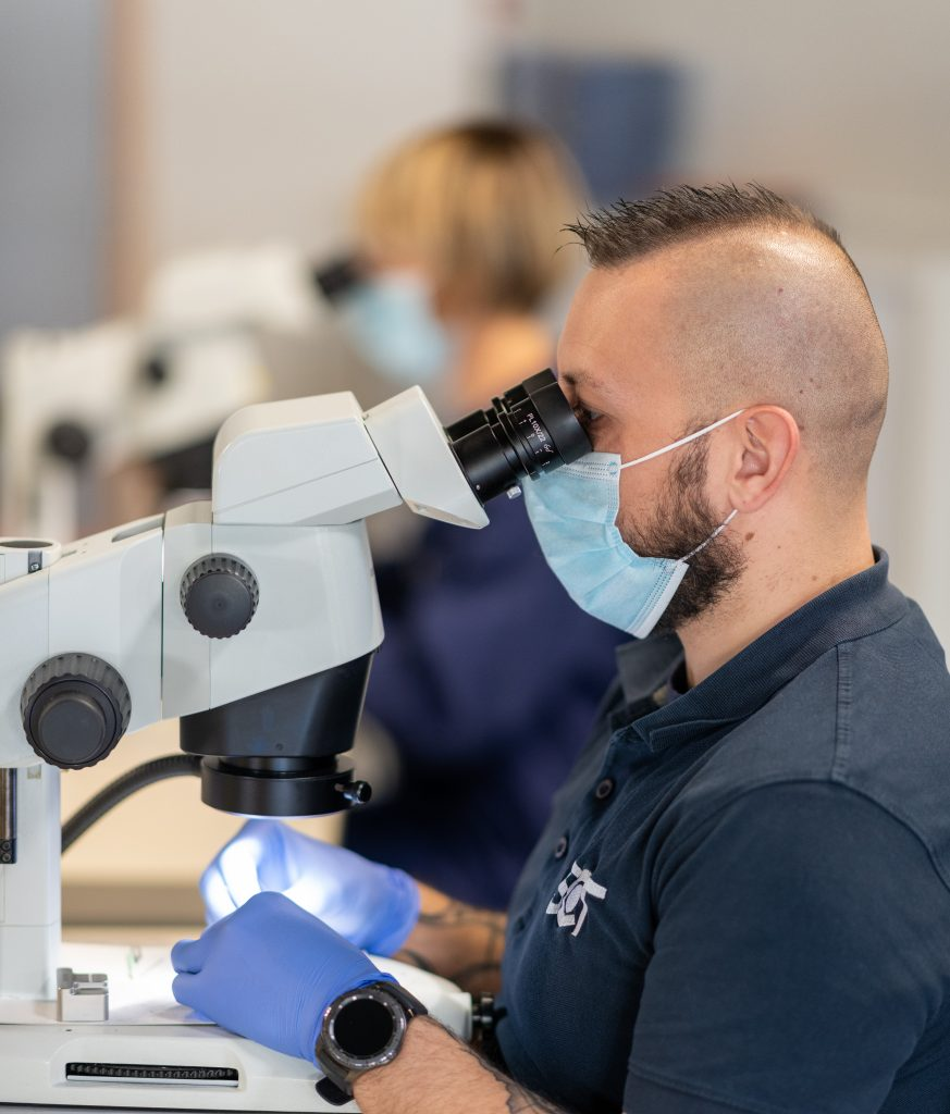 sct ceramics conducts binocular inspections for feedthroughs in the active implantable medical device market