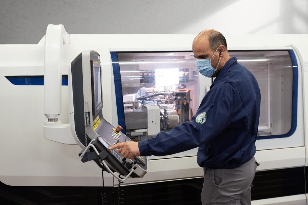 Machine de rectification pour les céramiques techniques de précision